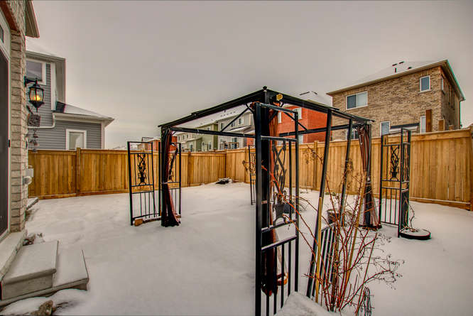 77 Thornlodge Dr Keswick ON-small-020-12-77 Thornlodge Drive-666×445-72dpi