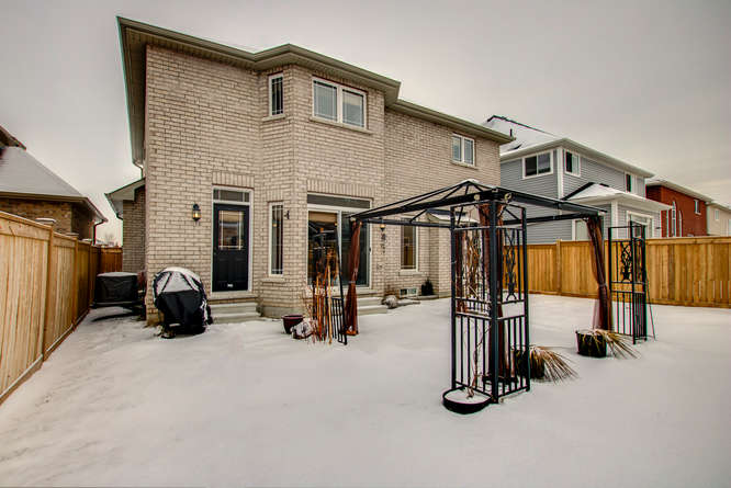 77 Thornlodge Dr Keswick ON-small-021-18-77 Thornlodge Drive-666×445-72dpi